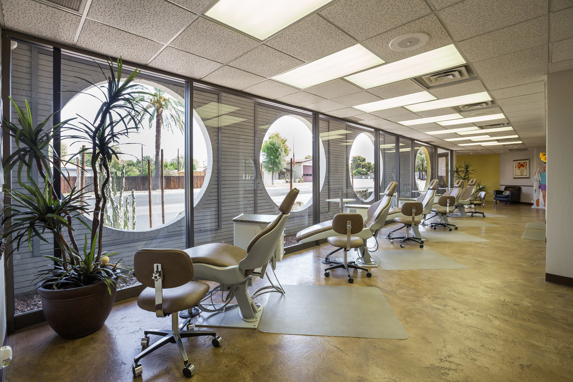 Orthodontist office in Phoenix for braces and Invisalign